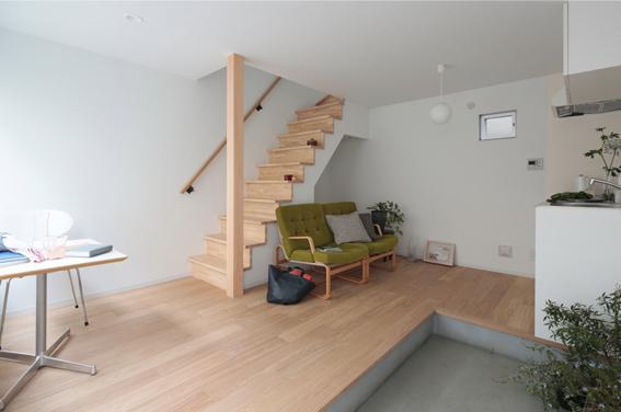 1階部分は一部土間、残りの部分はフローリング(家具・家電・小物は付きません)