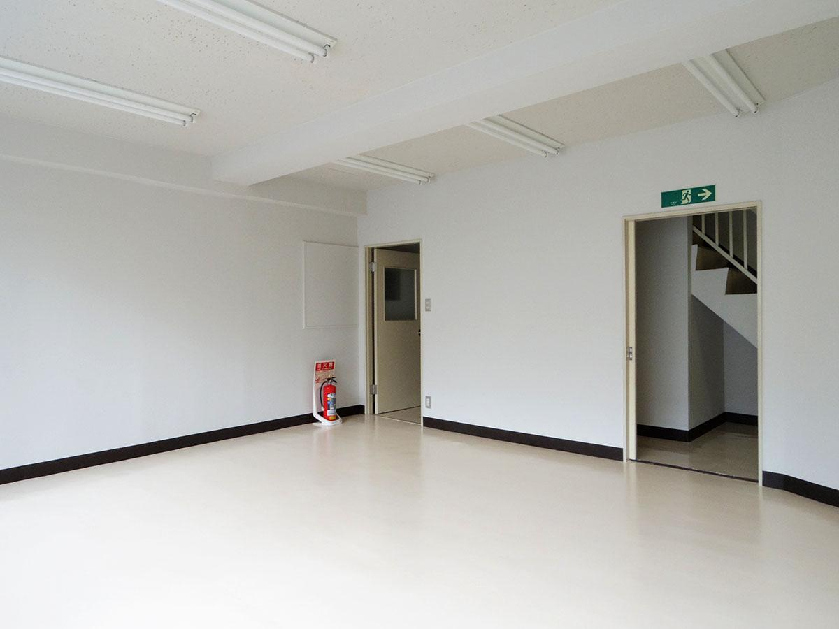 2階から4階までは入り口が2ヶ所