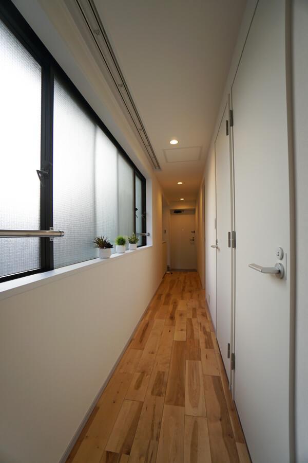 廊下も明るいです。