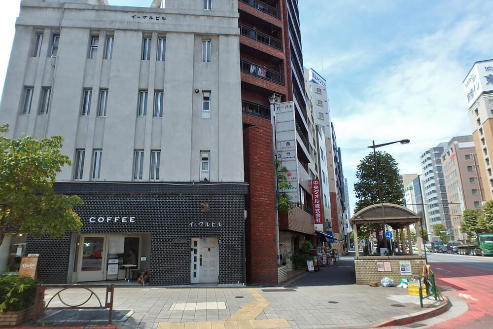 3軒となりに素敵なコーヒー屋さん