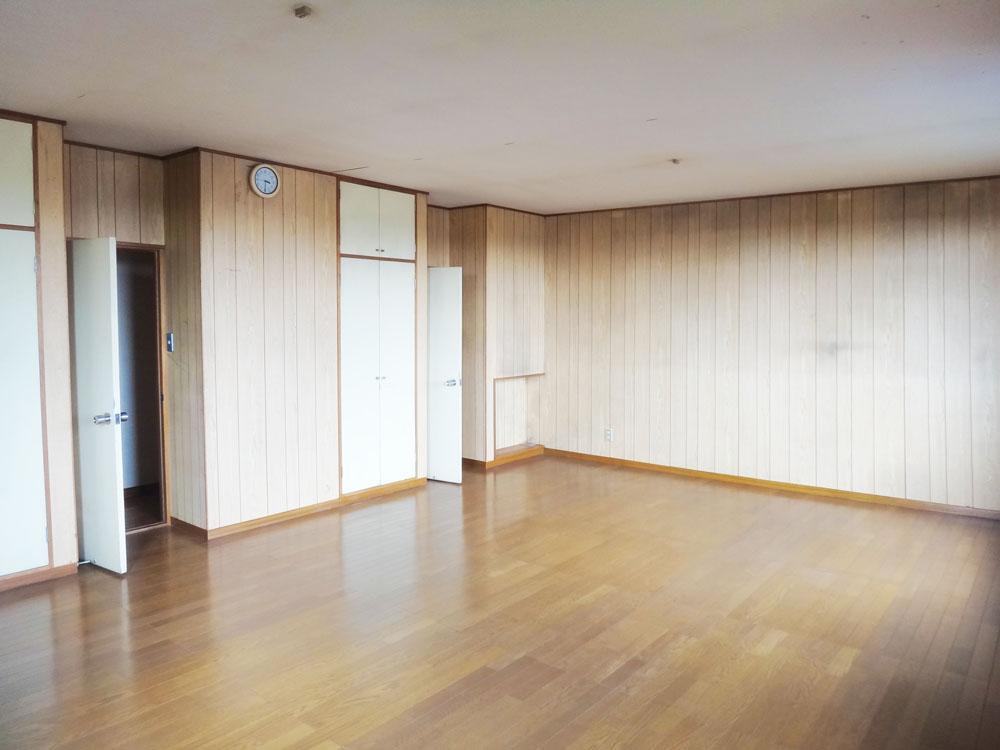 2階、約20帖の洋室。ここは第二のリビングとしても使えそうな広さです。