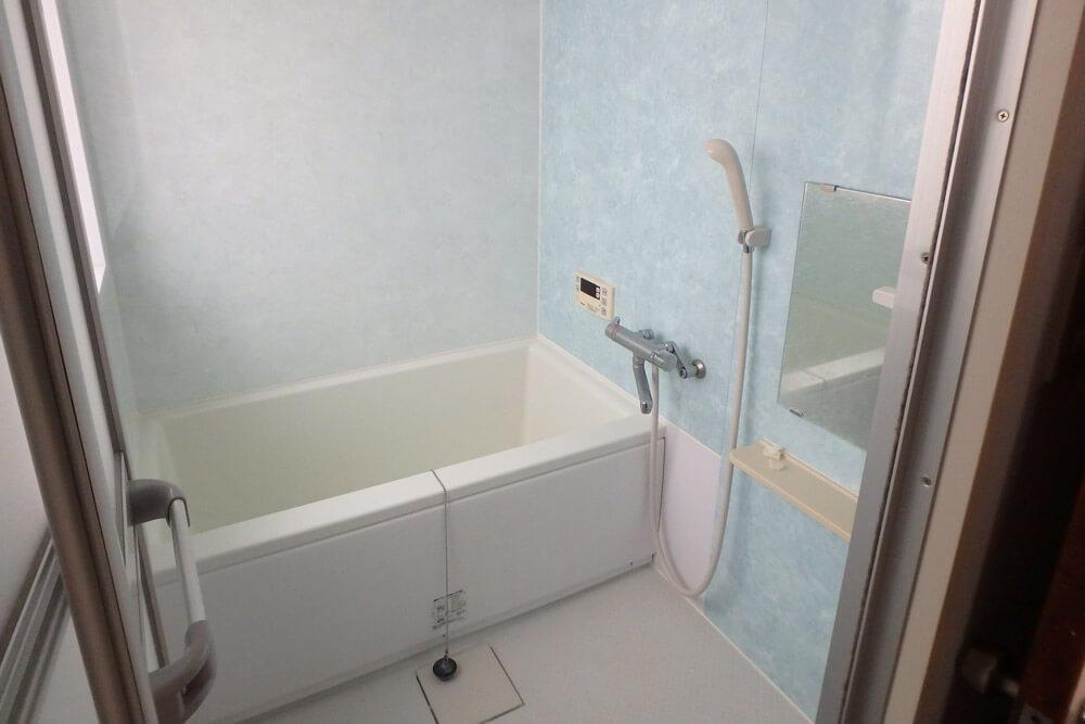 5階には共用のお風呂もあります