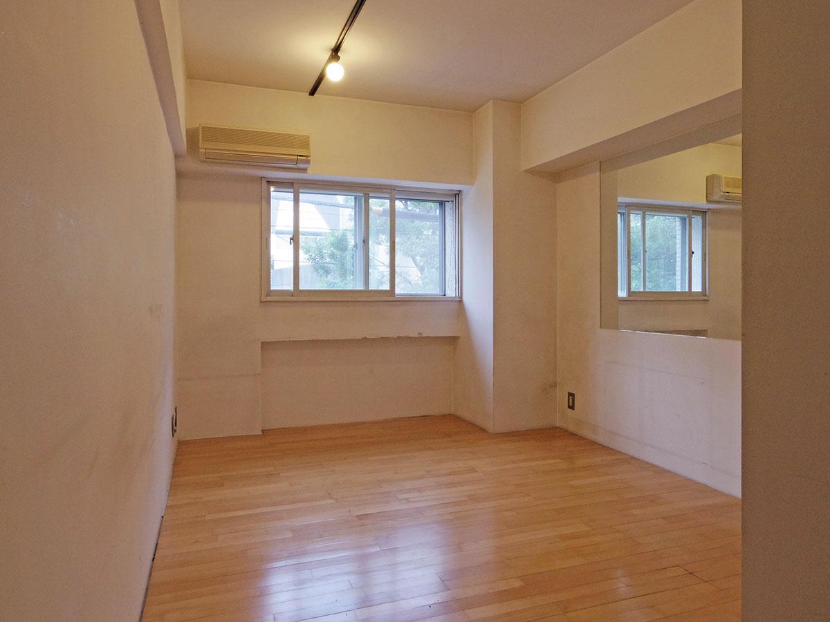約8畳の洋室
