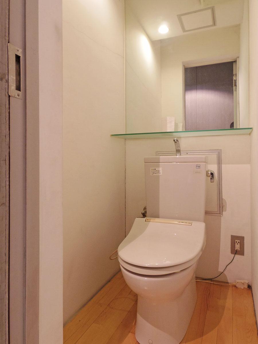 トイレは洗面室の他にもう1カ所
