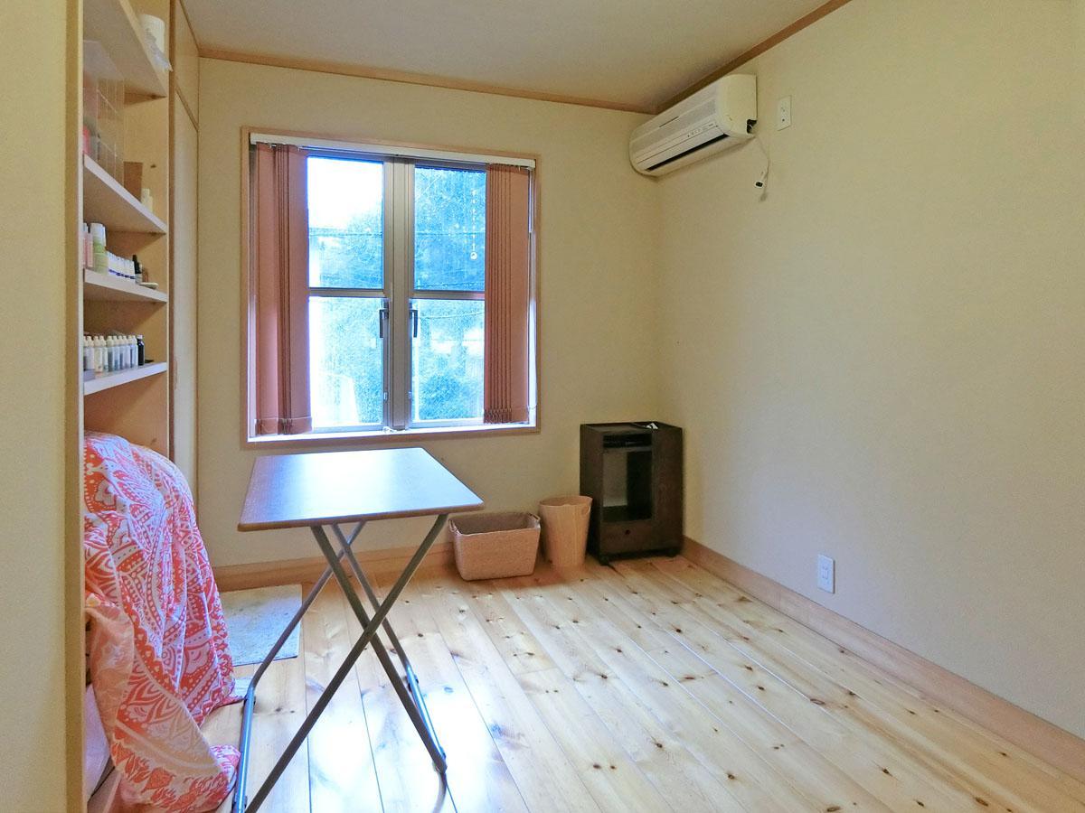 2階北側の洋室。仕事部屋や子供部屋として