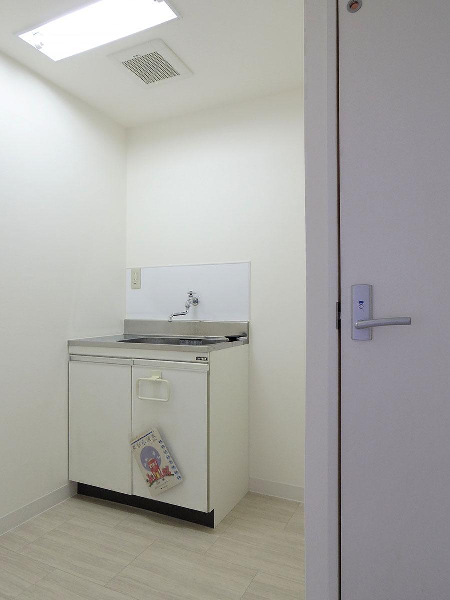 別部屋の参考写真。新品のキッチンが設置されます