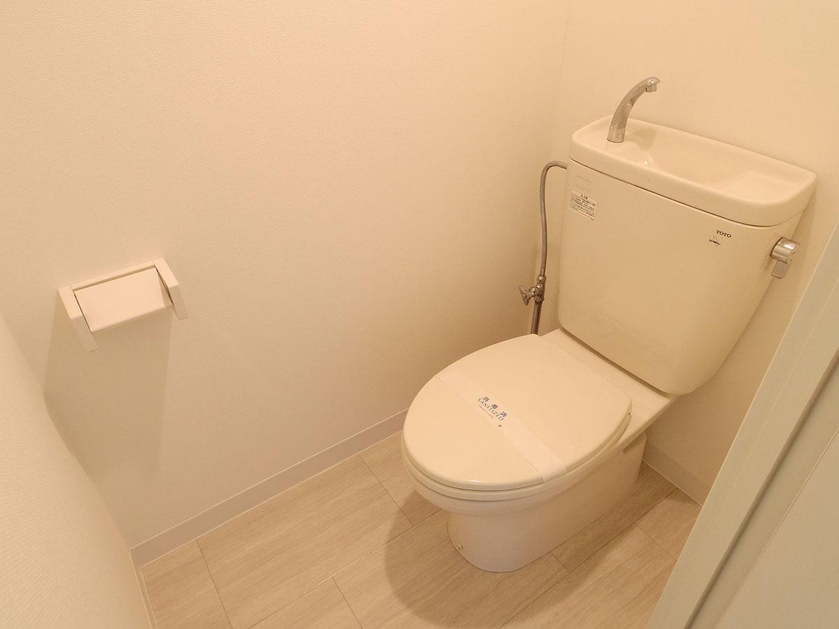 別部屋の参考写真。新品のトイレが設置されます