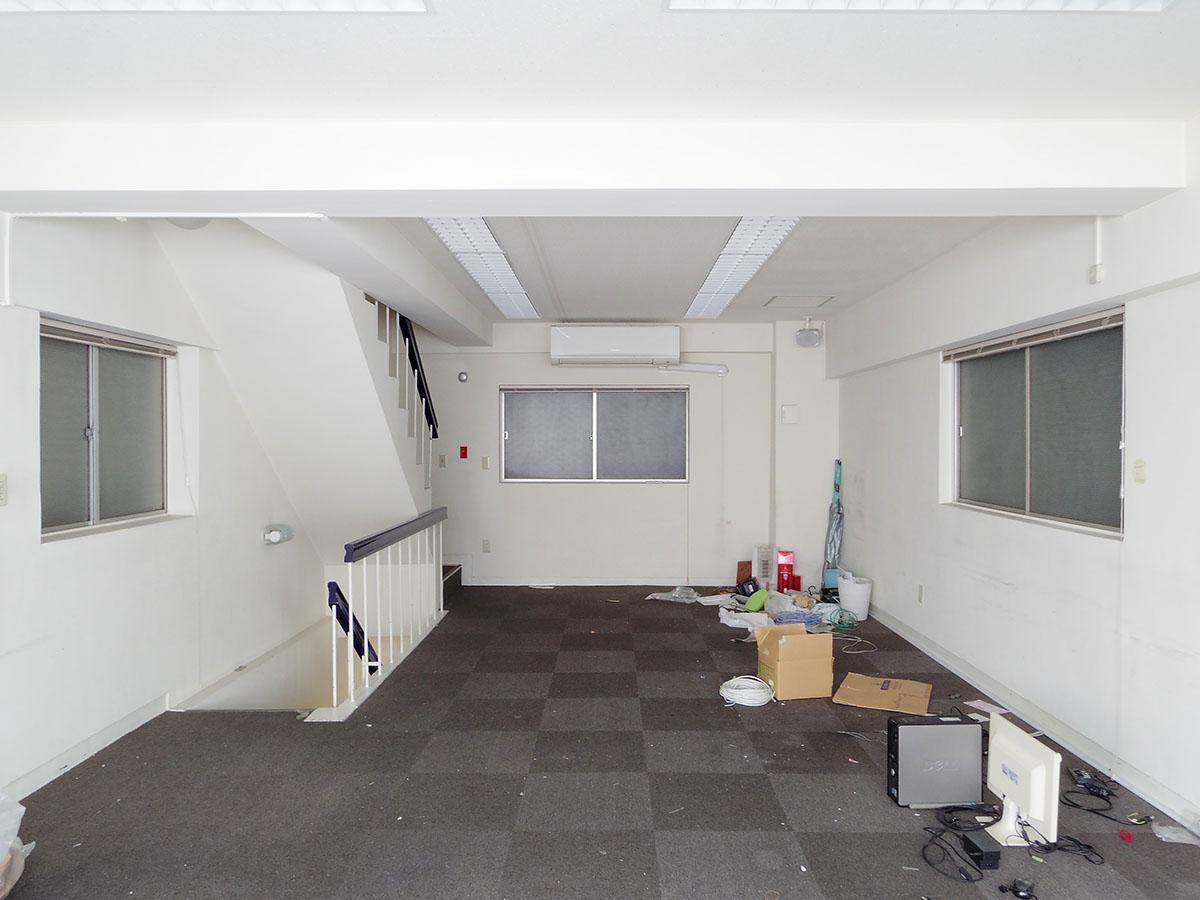2〜4階はほぼ同じ間取り。採光は一面ですが、しっかり光が入ります