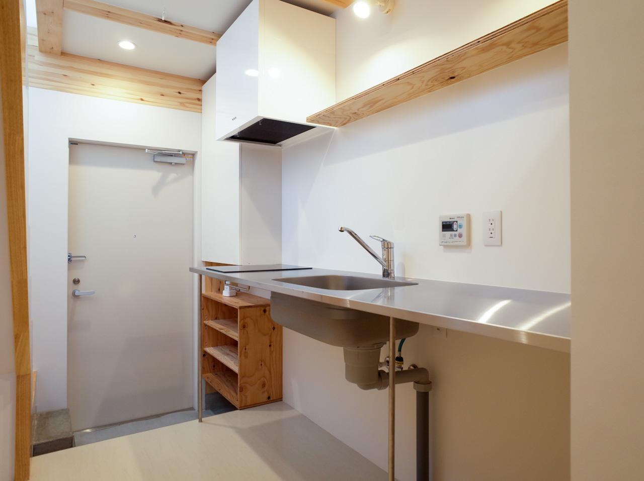 様になるステンレス製のキッチン