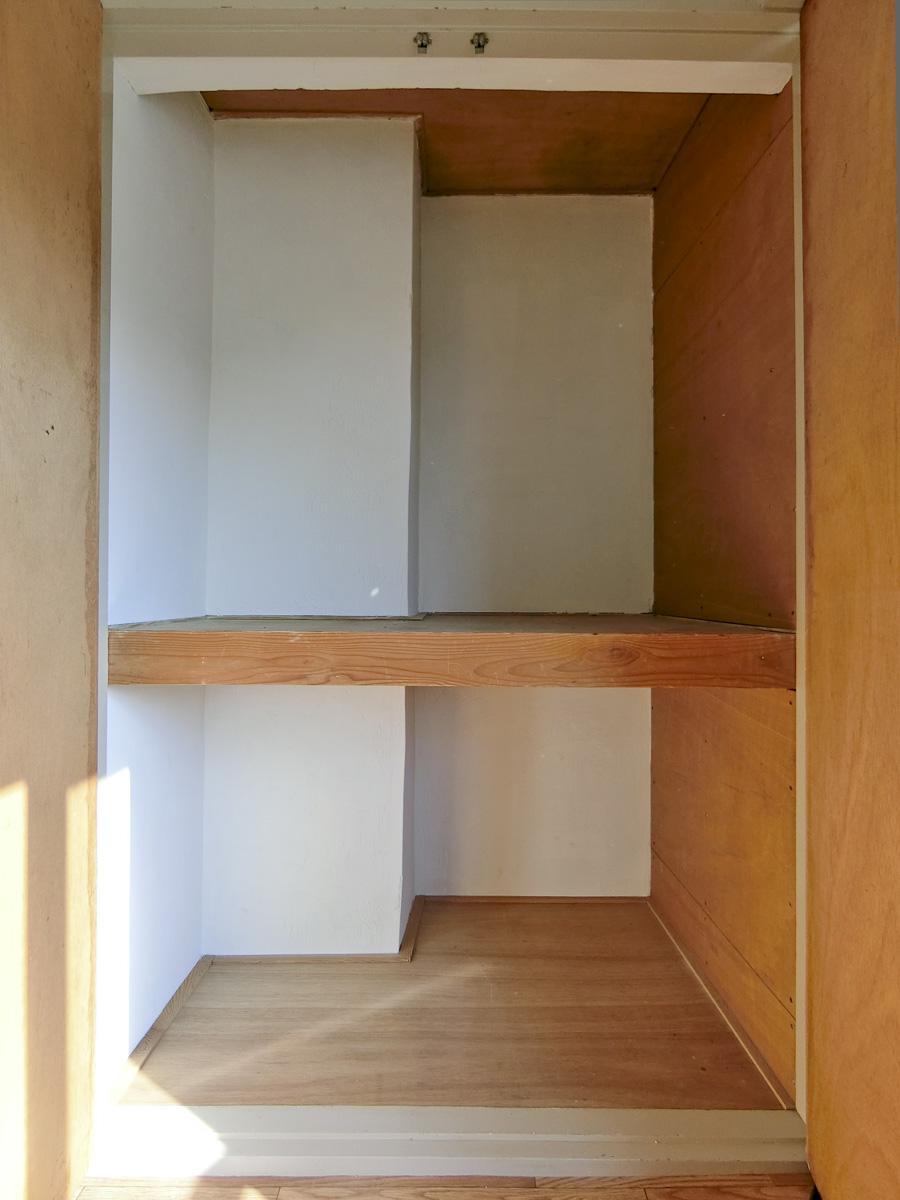 こちらはリビングの収納。収納は全部で3カ所あります