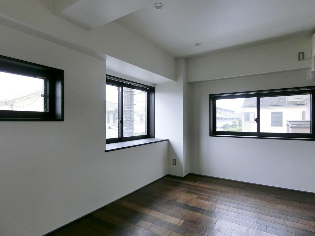 203号室:窓が多いです
