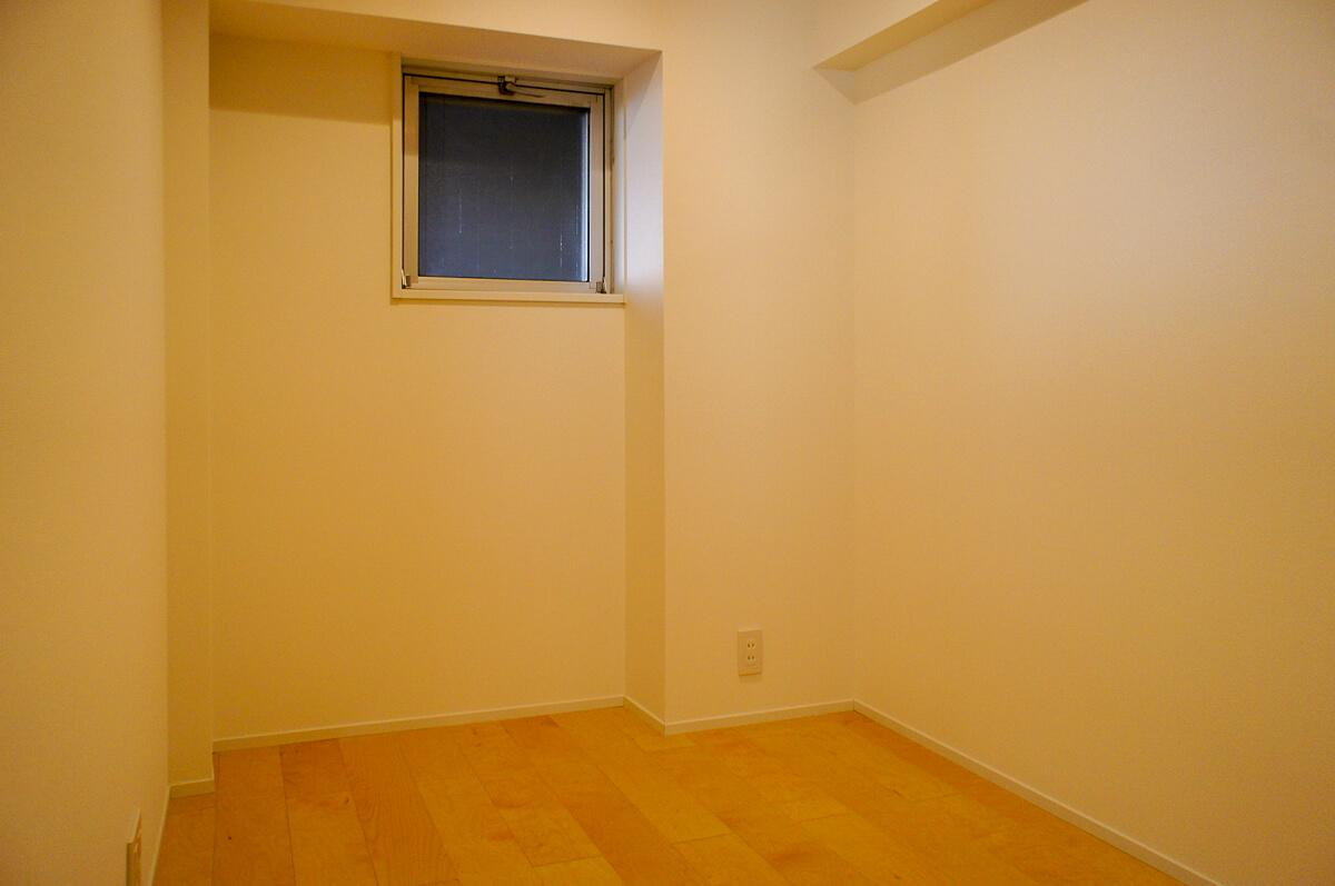 北側4.2畳の洋室 エアコンの設置が難しい
