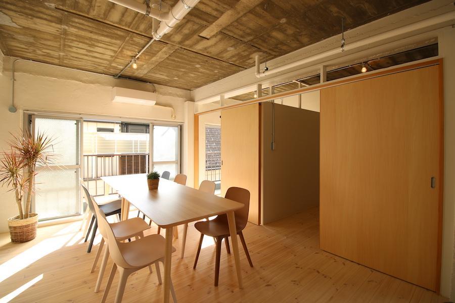 302号室の方が、リビングも個室も少し広め(302号室)
