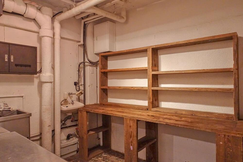 造作の棚もそのまま使用可能です。