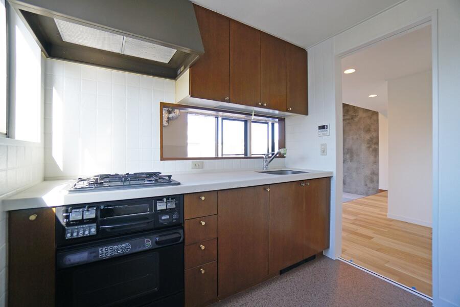 使いやすそうなキッチン。料理をしながら景色を眺めることができます。