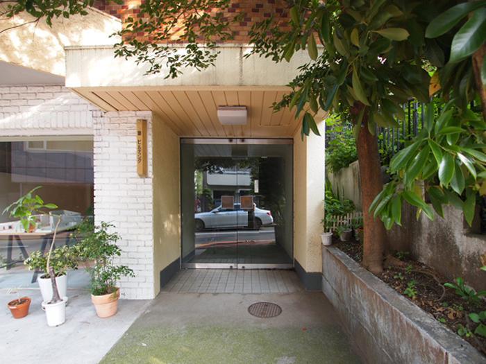建物の入り口
