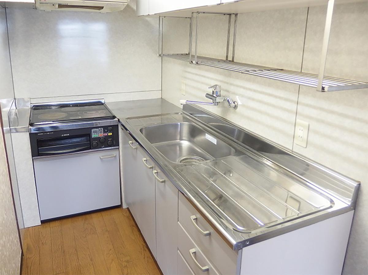 キッチンスペースは少し狭め