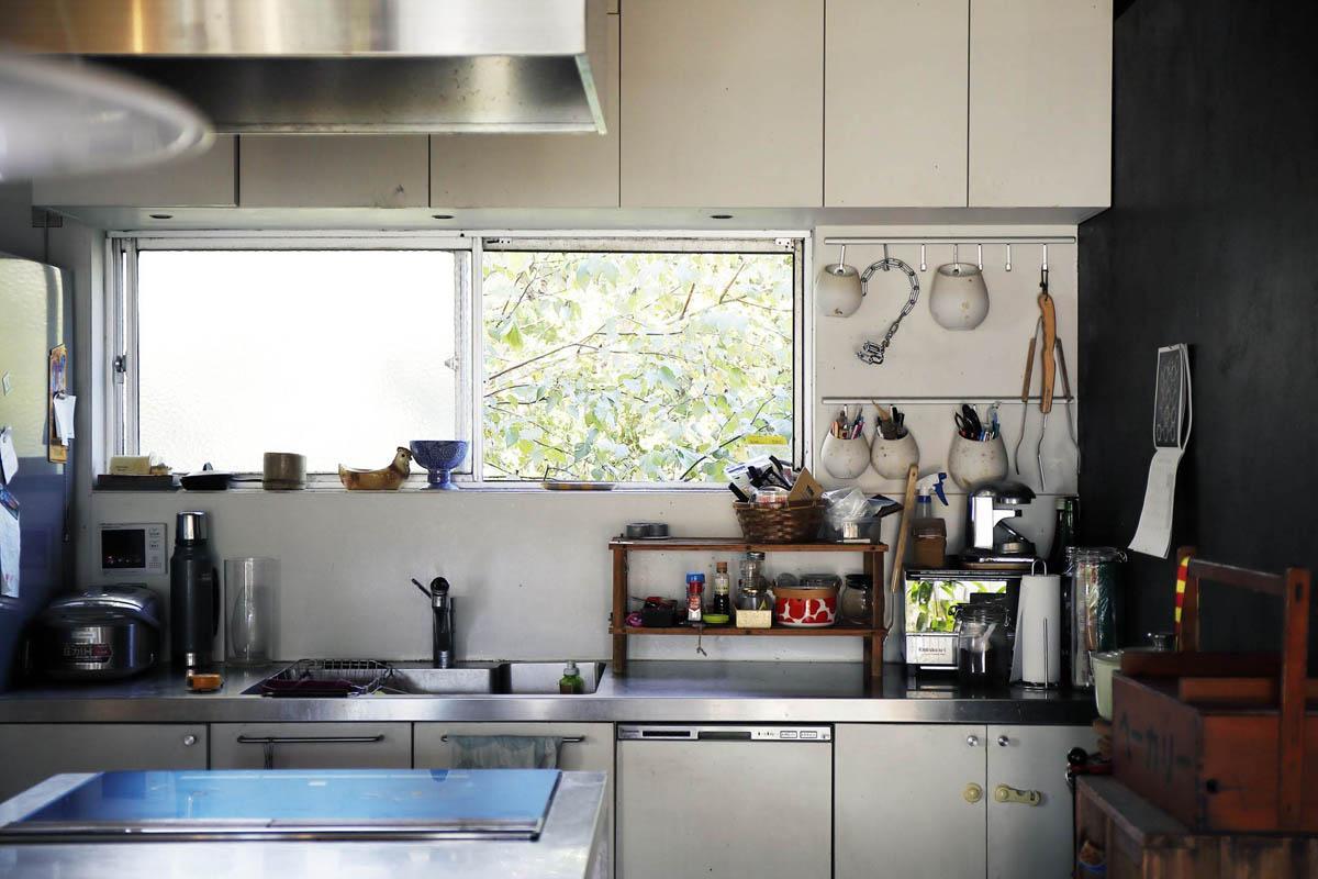 キッチンからも緑が見えます