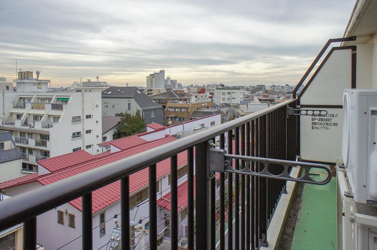 ベランダ:天気が良い日は富士山も望めるそう