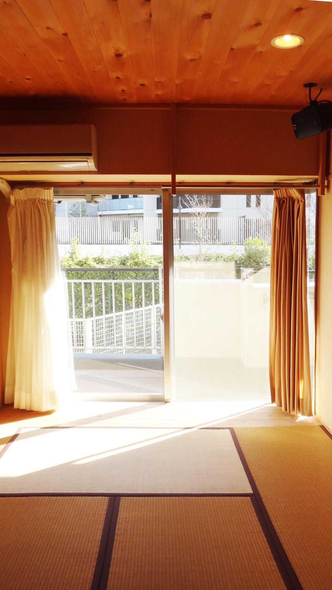 8畳の和室。各部屋にはスピーカーがついています