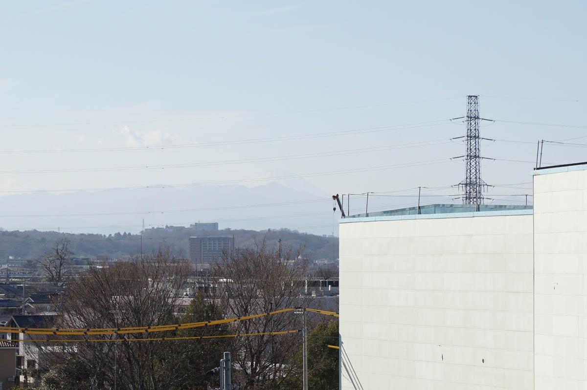 写真でうまく写っていませんが、実際はこの写真のど真ん中にはっきりと富士山が見えます