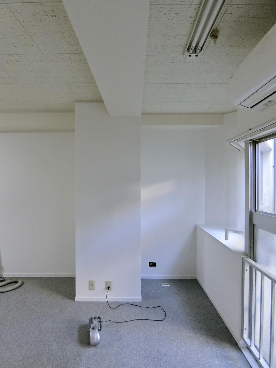 窓際と柱の幅は、だいたい85cm