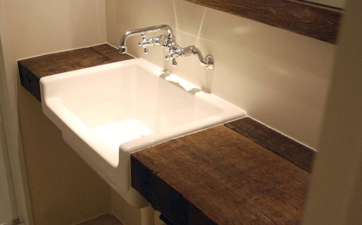 男っぽい洗面シンク(平成25年のリノベーション竣工時の写真)