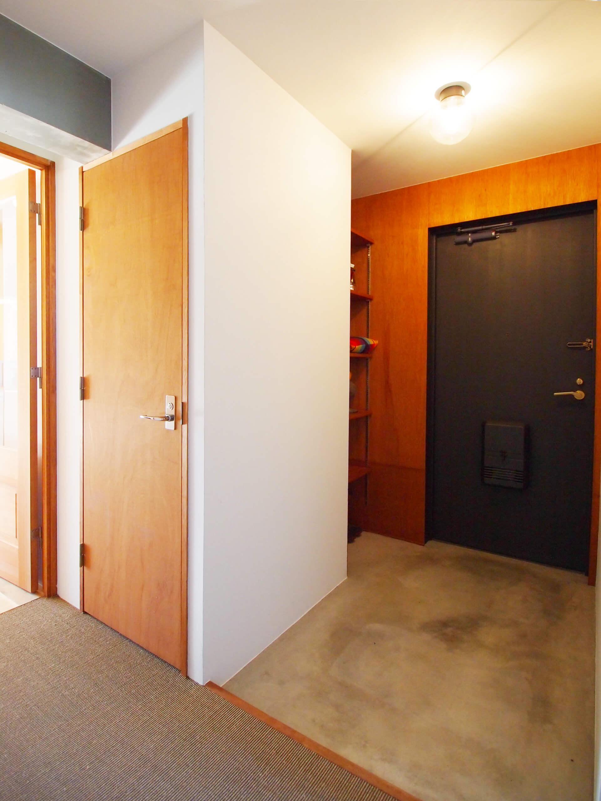 大きめの玄関。ベビーカーもそのまま入れられそう