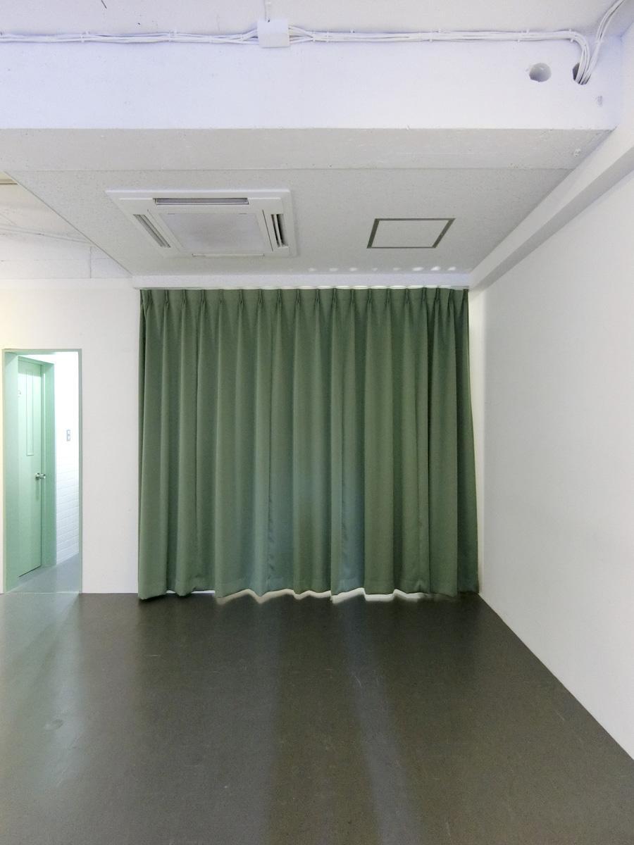 グリーンのカーテンが映える