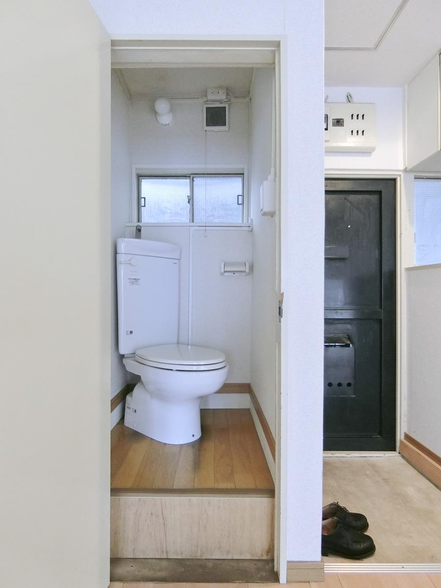 やや高くなっている洋式トイレ