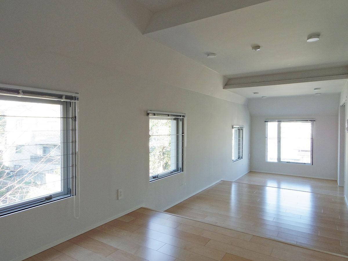 403号室:家具のレイアウトや使い方を考えるだけで楽しくなってきます