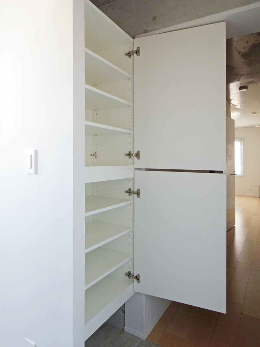 301号室:玄関の靴棚
