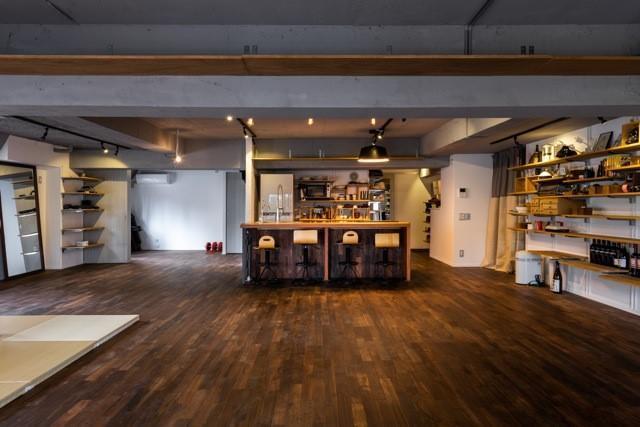 オープンキッチンが映える50畳の大空間LDK