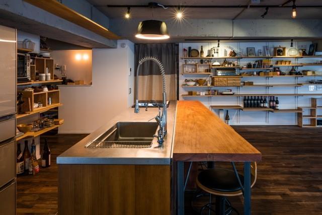 IHのスタイリッシュなオープンキッチン