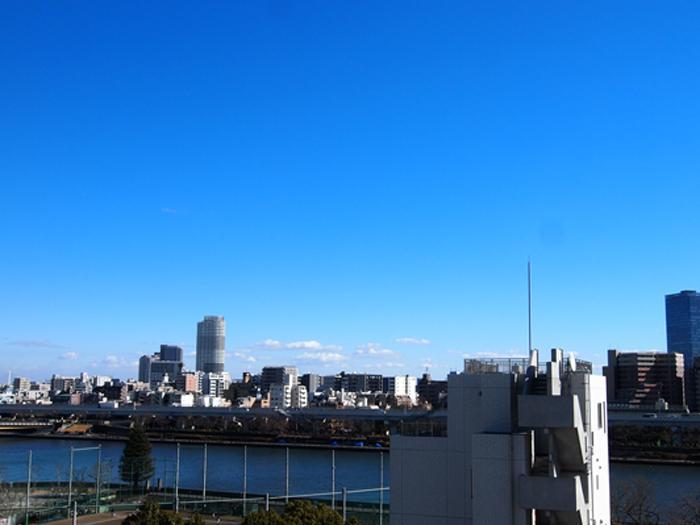 広い空と隅田川ビュー