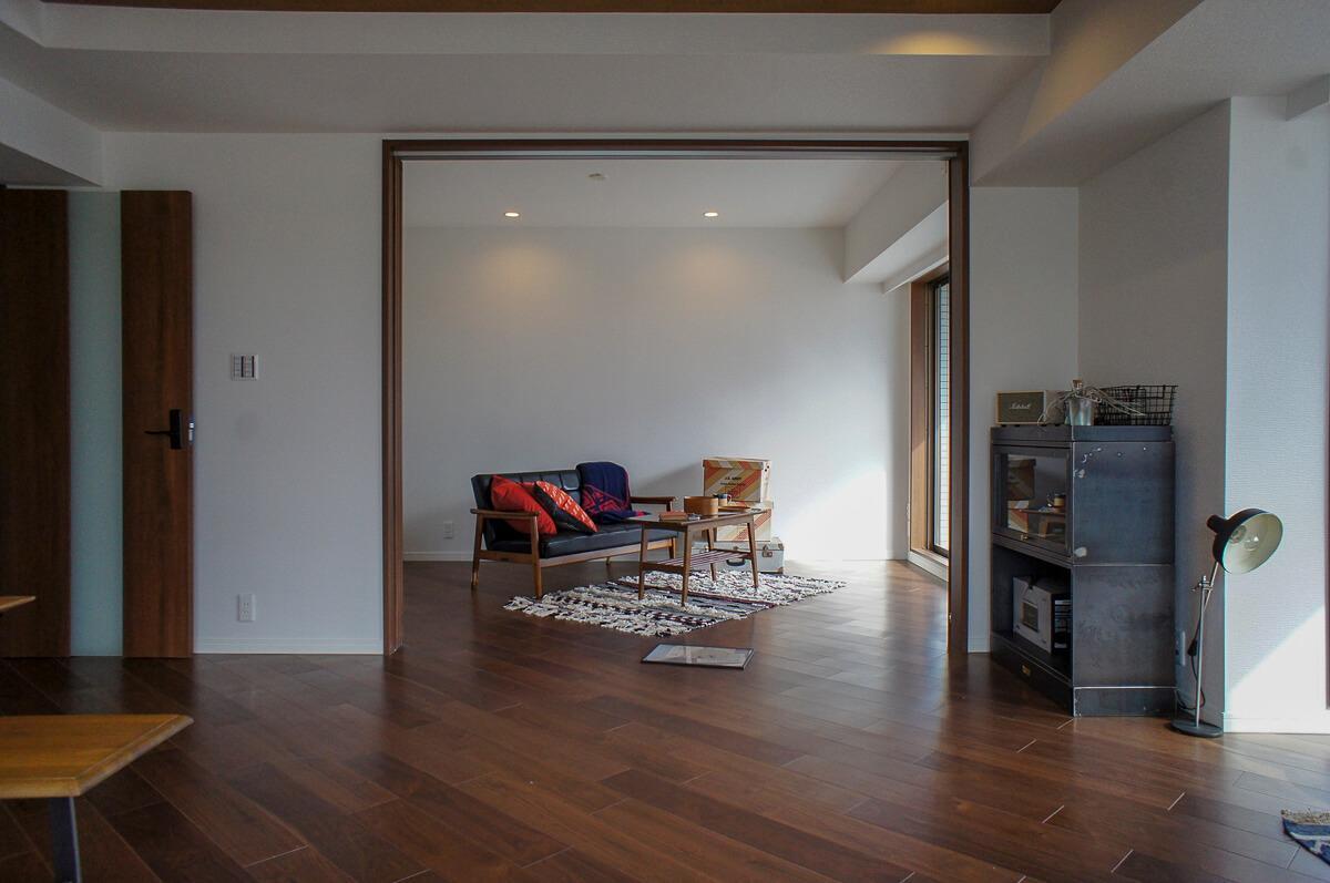 リビング西側から7畳洋室方向の視点