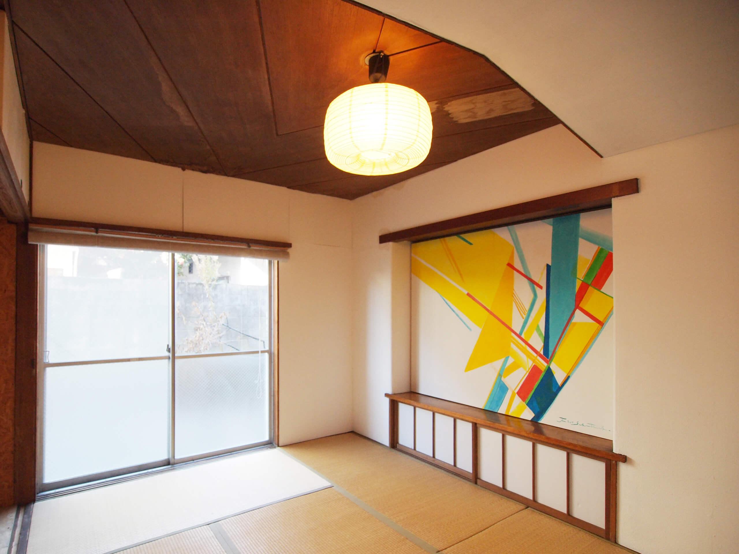 【和室2】こちらも板張りの天井が特長的。爽やかな印象の和室