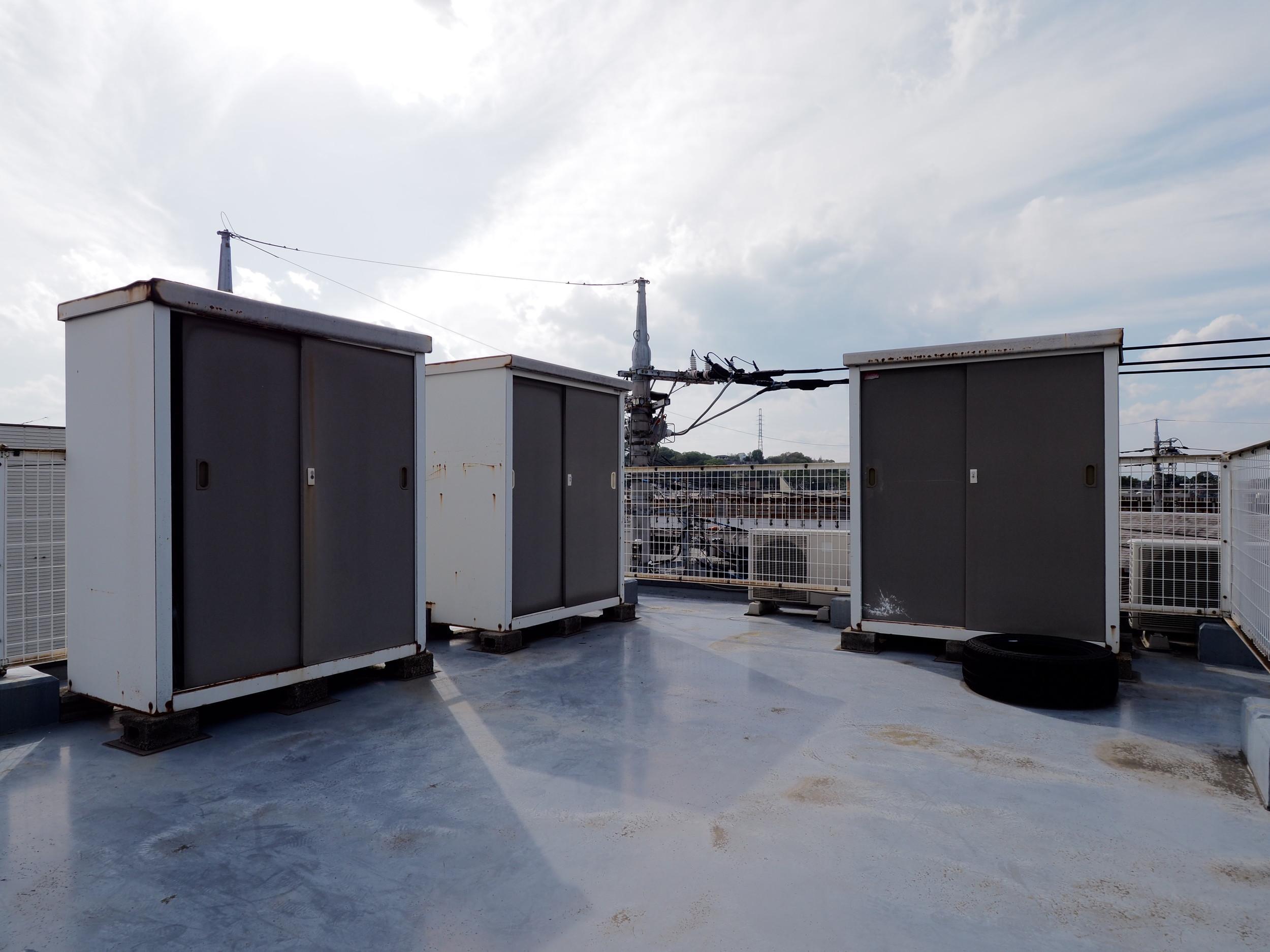 屋上の物置が使用可能です