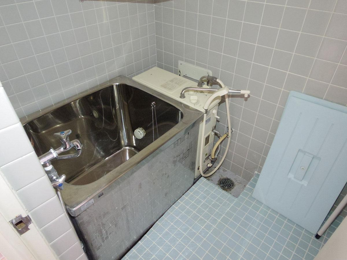 風呂はバランス釜です