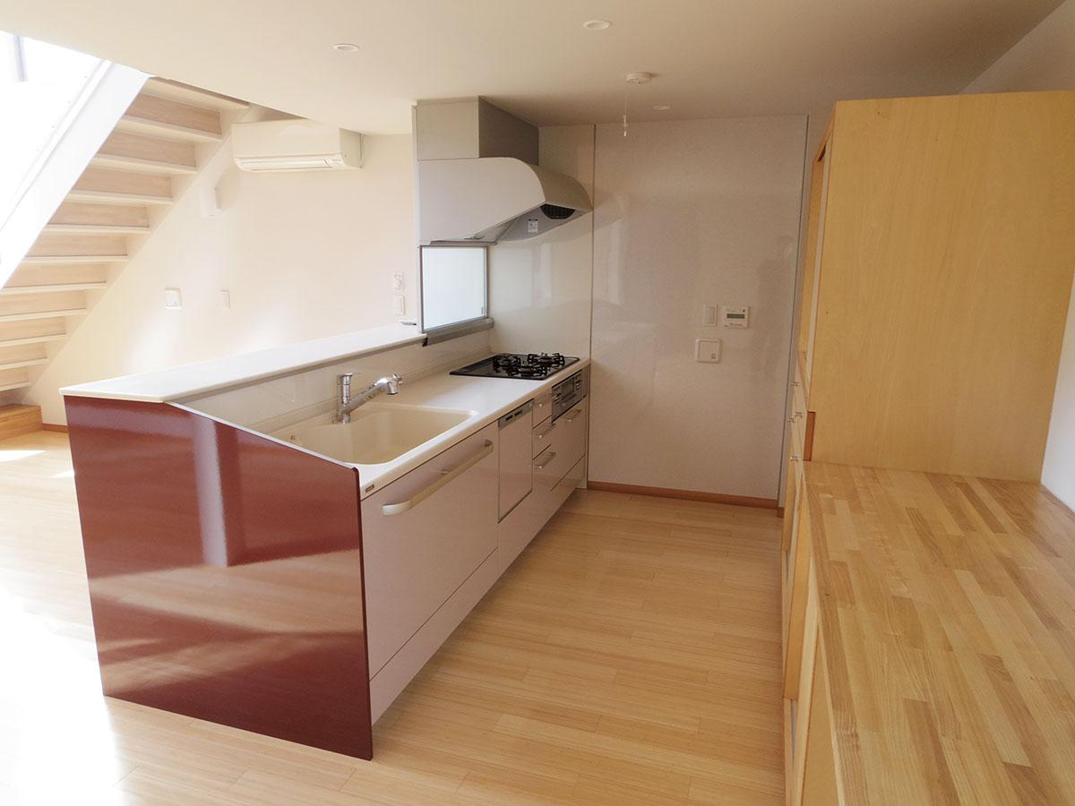 キッチンもかなりゆったりめ。食洗機もついてます