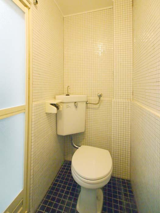 トイレ。シャワーと同室のつくりです