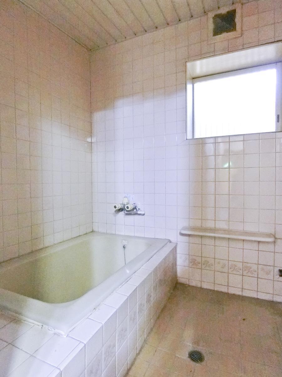 ⑤:近くの浴室