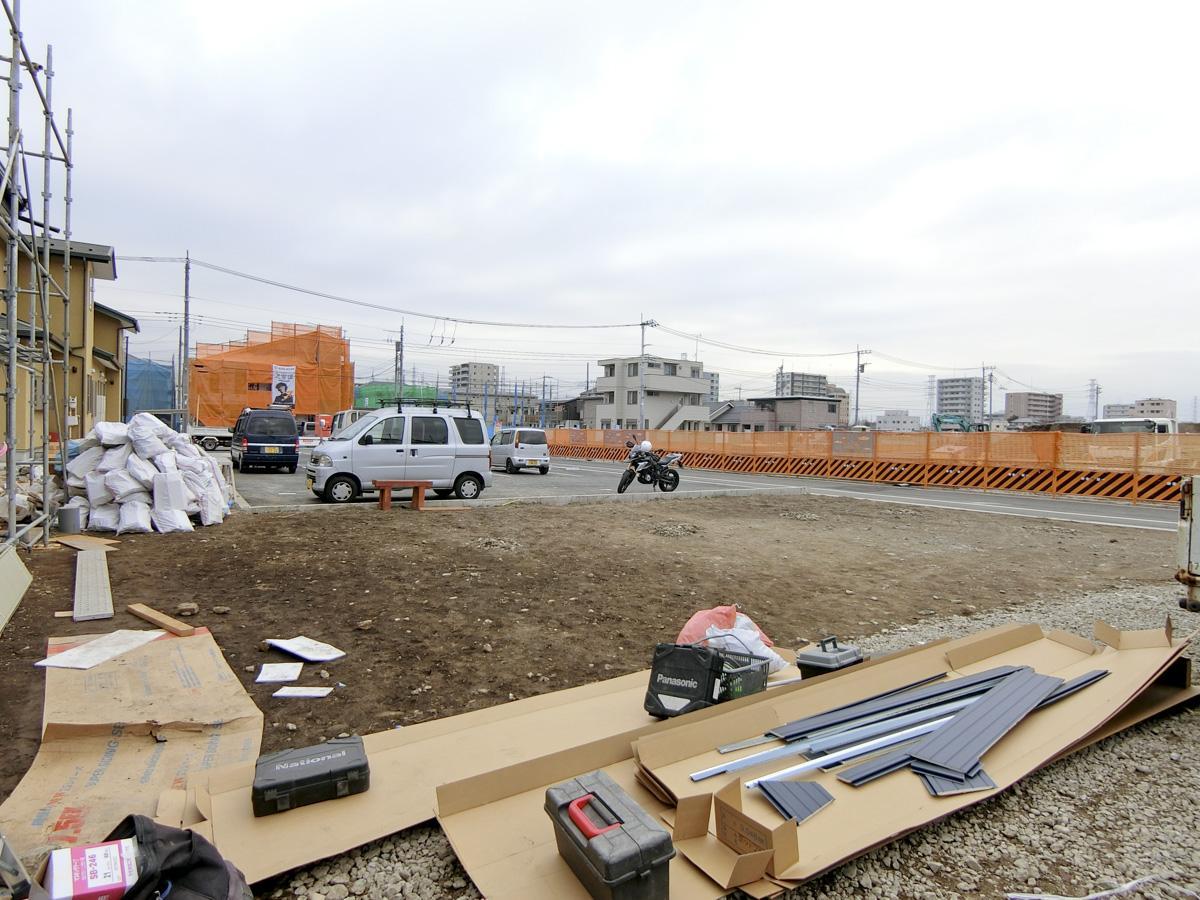 北側の敷地は、芝生広場にする予定。ピザ窯もここに設置される予定です