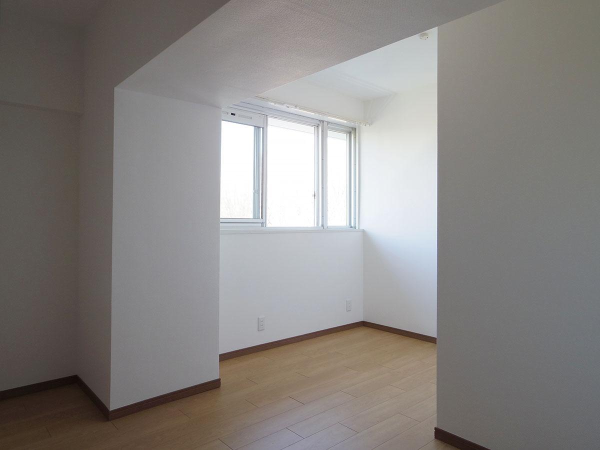 北側5畳の洋室。コンパクトな部屋はこども部屋に良さそう