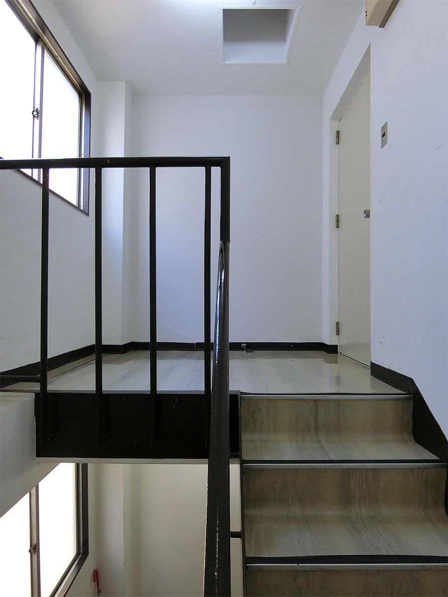 4階の踊り場