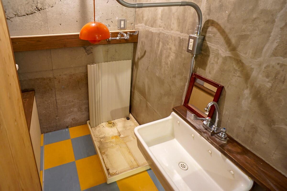 洗面台(写真はクリーニング前)