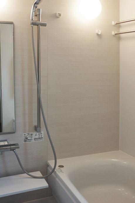 バスルームも新規交換済み