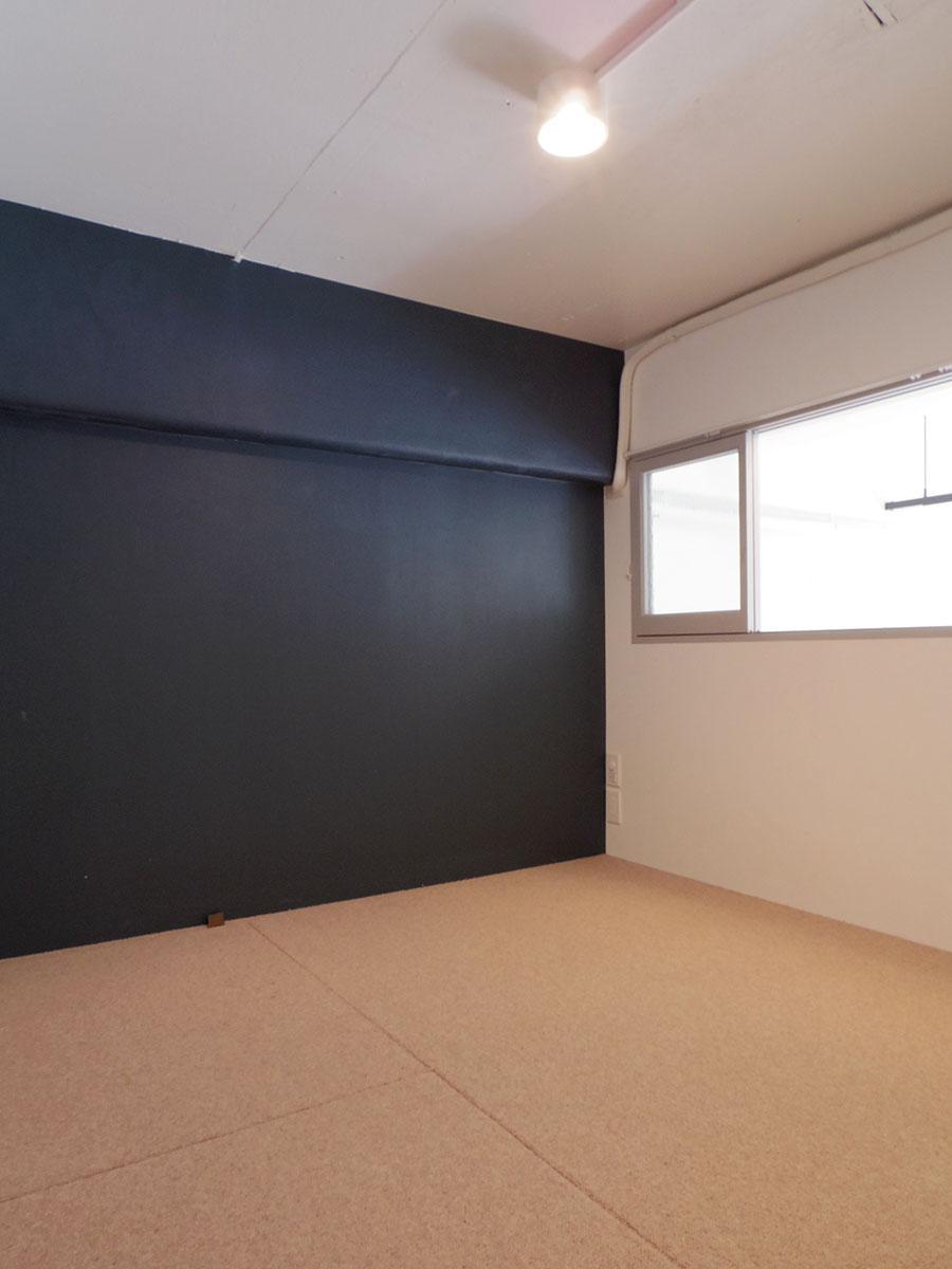 3.4畳の洋室。ベッドは置けないのでご注意を