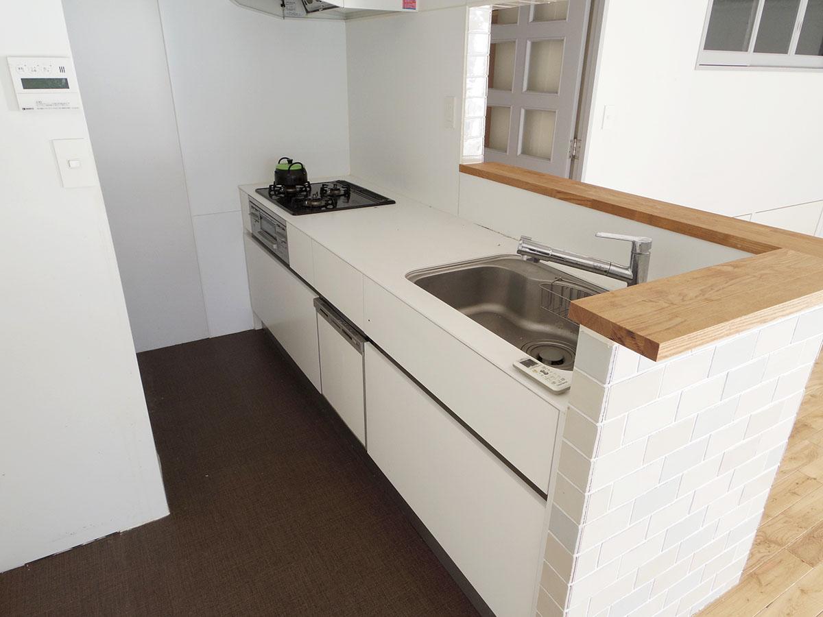キッチンには食器洗浄機が備え付け