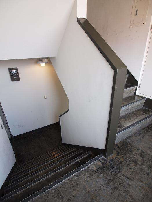 階段もかっこいいデザイン